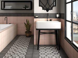 Salle de bain carrelage imitation carreaux de ciment à Saint-Jean-de-Vedas par Les Carrelages