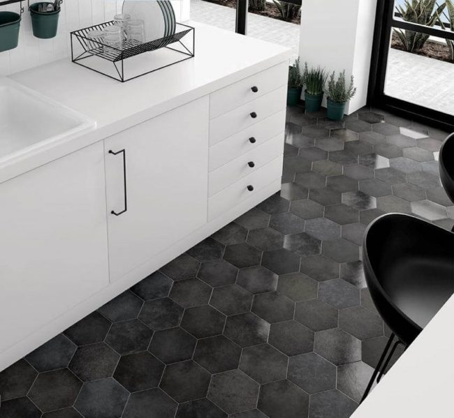 carrelage hexagone noir a sete