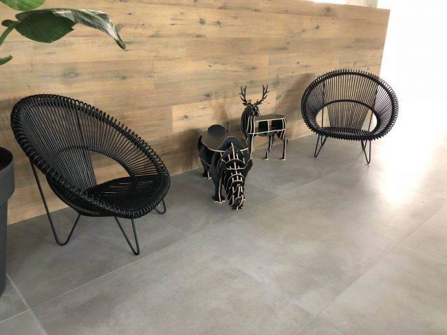 carrelage beton effet beton cire salon sejour chambre style industriel rénovation Prades le lez