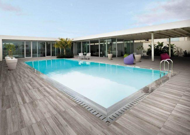 carrelage bois exterieur piscine antiderapant piscine saint george d'orques construction