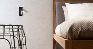 carrelage de la tour effet pierre moderne tete de lit chambre décoration aménagement appartement clapiers rénovation
