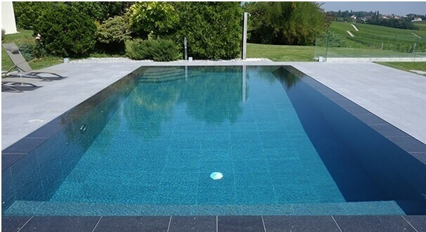 carrelage effet beton piscine exterieur antiderapant vendargues construction
