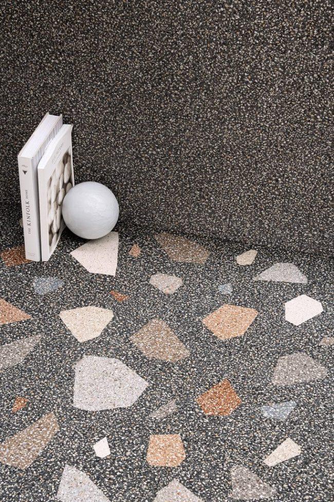 carrelage effet granito noir brillant terrazzo motifs sol mur décoration cuisine salle de bain construction villa Saussan
