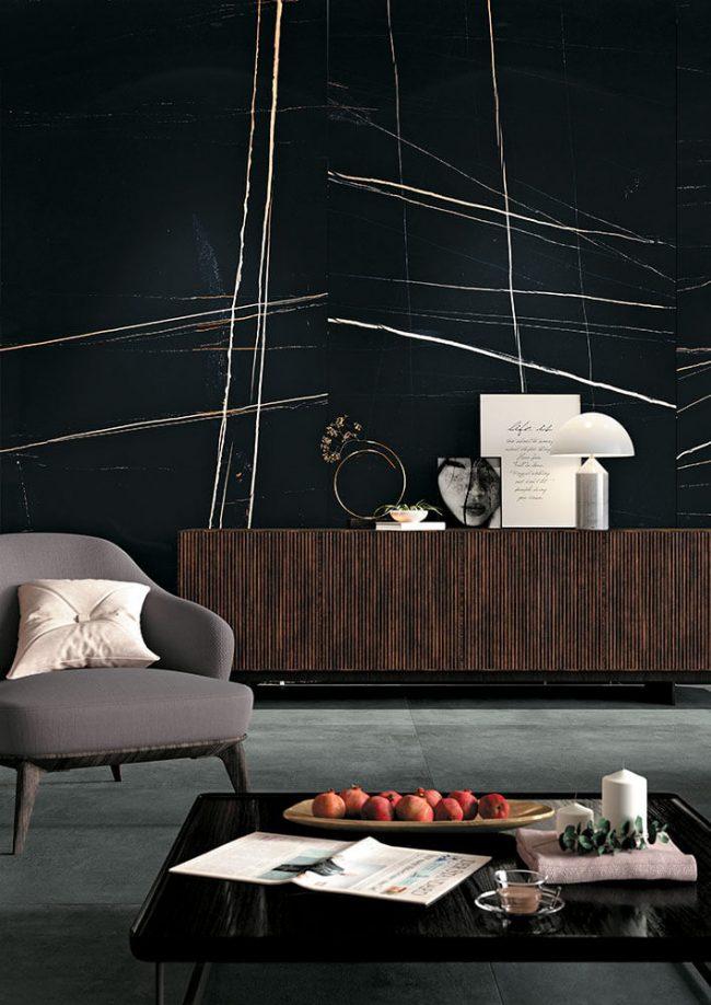 carrelage effet marbre noir mat amenagement decoration mur salon salle a manger renovation maison maitre Cournonterral