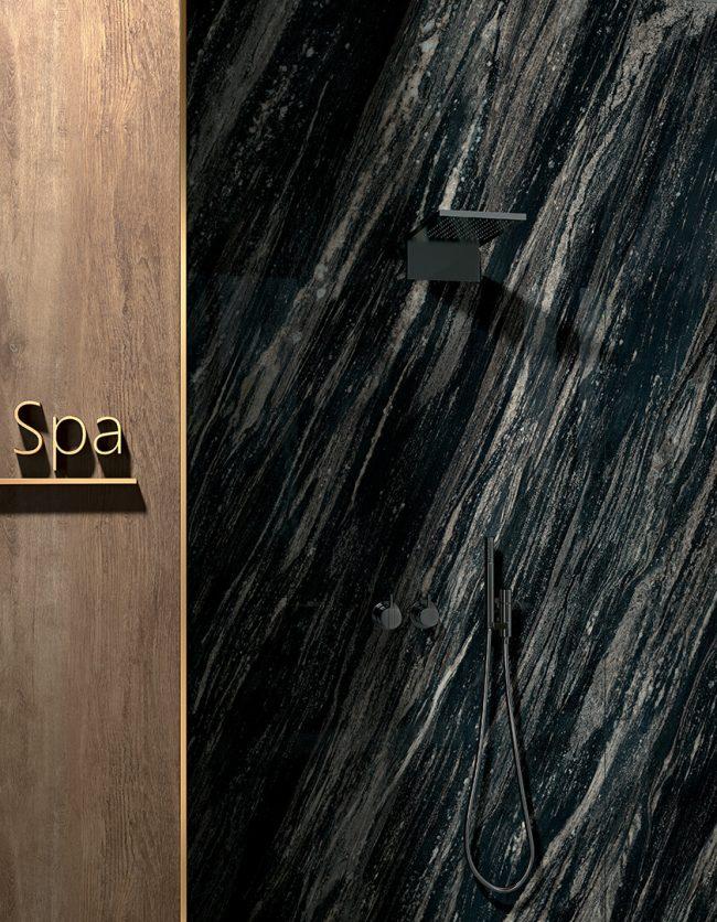 carrelage effet marbre noir mur grand format douche salle de bain spa construction renovation haut de gamme castelnau le lez