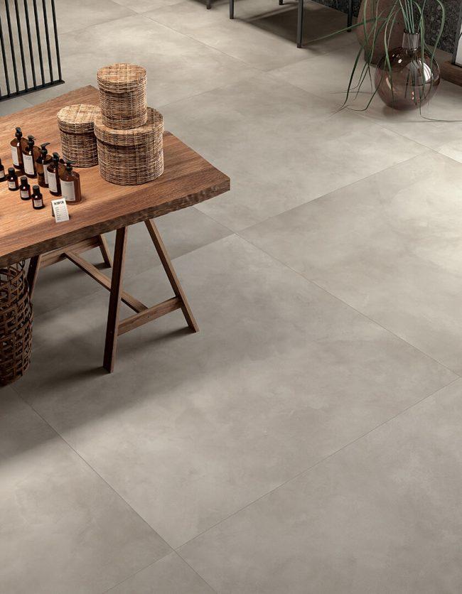 carrelage effet resine effet beton spatule atelier buanderie renovation maison de village Montpellier
