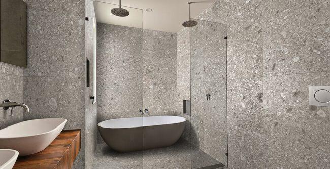 carrelage effet terrazzo granito salle de bain sol mur tendance minérale aménagement décoration bois Montpellier