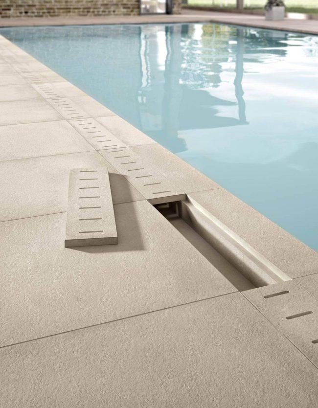carrelage piscine effet beton exterieur antiderapant caniveau castelnau le lez renovation