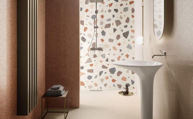 carrelage sol et murs d une salle de bain tendance granito et terracotta rénovation appartement village saint Brès