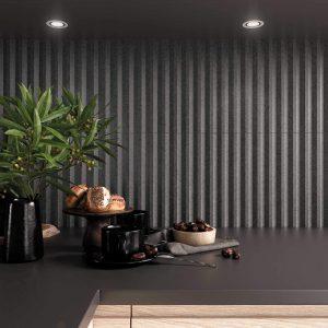 crédence cuisine tendance avec un carrelage relief 3d stries pour un style intemporel et authentique dans un appartement du centre ville de Cournonterral