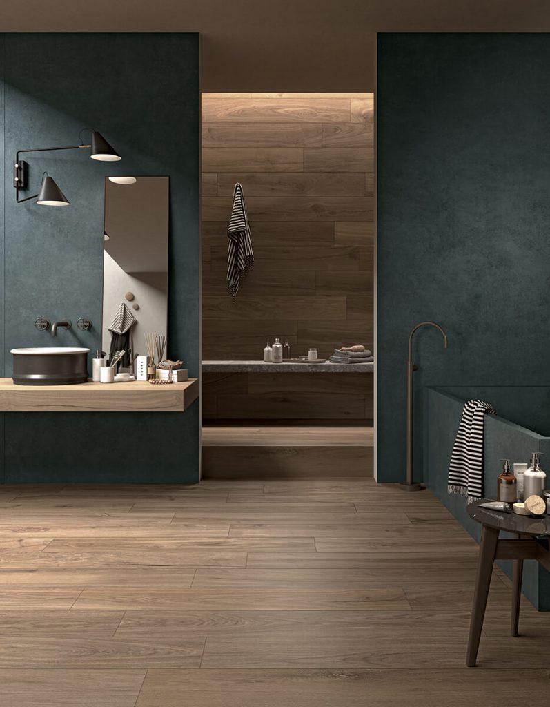 décoration salle de)bain suite parentale carrelage effet parquet bois chêne sol carrelage effet résine mur ambiance chaleureuse style industriel construction maison Poussan
