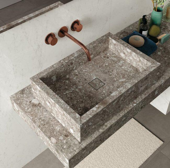 carrelage de la tour aménagement salle d eau plan de vasque grès cérame effet pierre granitée tendance solution douche saint aunes