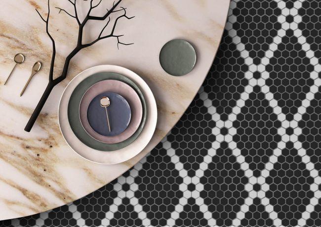 decoration avec de la mosaique graphique noir et blanc pour un style intemporel dans une maison de vendargues