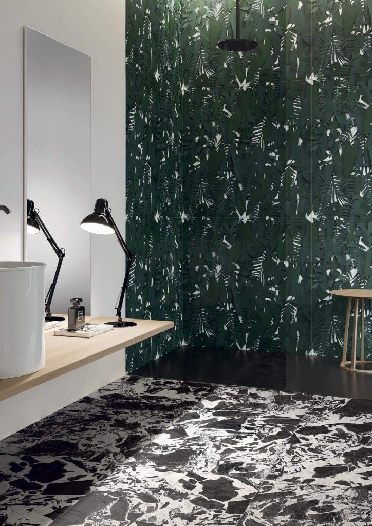 tendance carrelage mural effet papier peint feuillage jungle decoration salle de bain sete