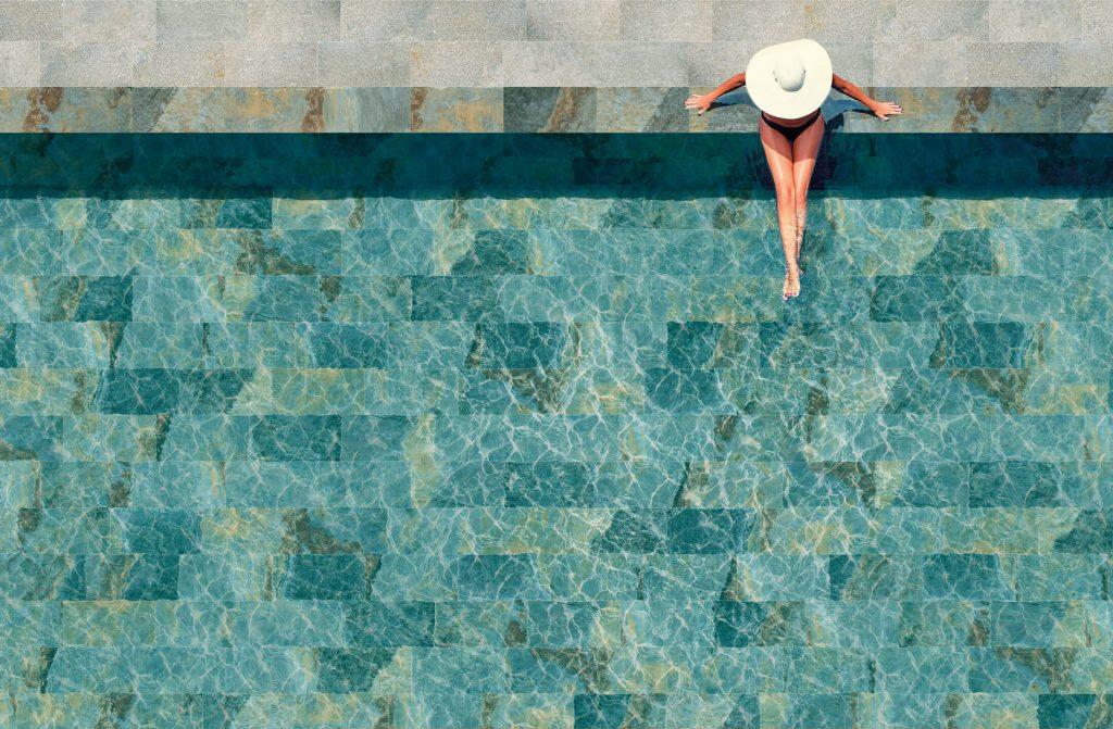 carrelage de la tour terrasse et piscine carrelage effet pierre de bali dans une maison de saint aunes