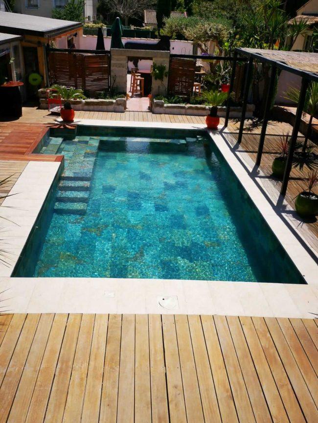 réalisation carrelage de la tour piscine terrasse pierre de Bali a Montpellier