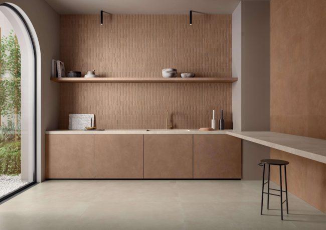 carrelage de la tour avec une cuisine naturelle japandi terracotta tendance grace a la nouvelle collection dans ses showrooms de montpellier